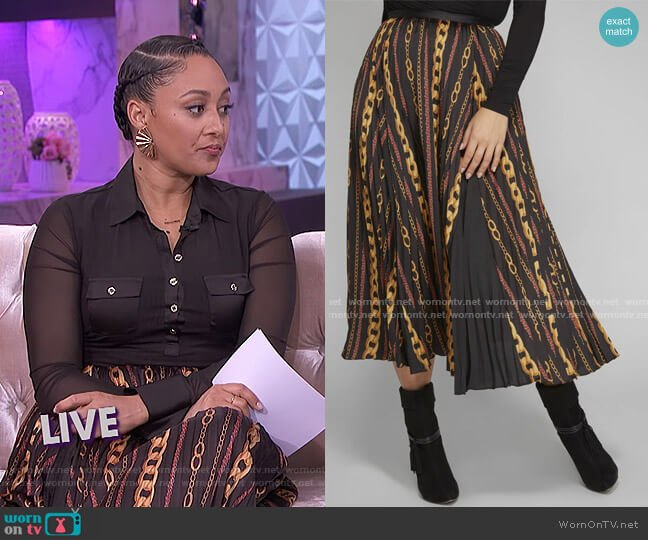 Chain Reaction Skirt by Guess worn by Tamera Mowry  on The Real