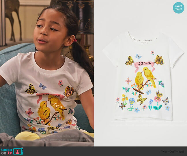 T-shirt with Motif by H&M worn by Ami (Jordyn Raya James) on Family Reunion