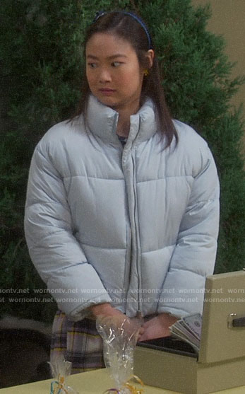 Jen's light blue puffer jacket on Last Man Standing