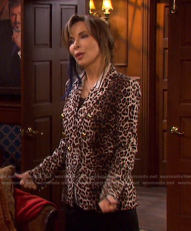 Kate's leopard print blazer on Days of our Lives