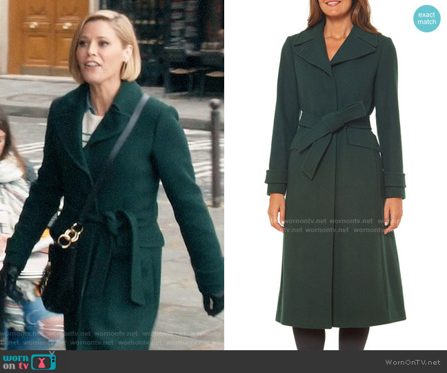 Kate Spade Single-breasted maxi wool-blend coat worn by Claire Dunphy (Julie Bowen) on Modern Family