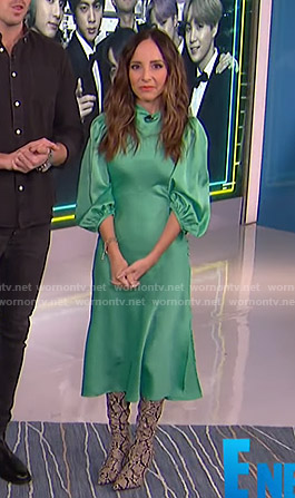 Lilliana's green satin midi dress on E! News