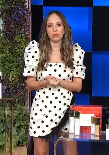 Lilliana's white polka dot puff-sleeve mini dress on E! News