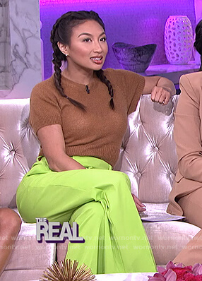 Jeannie's brown short sleeve sweater on The Real