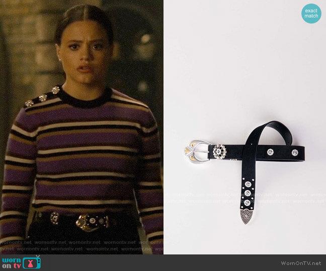 Maje Apika Belt worn by Maggie Vera (Sarah Jeffery) on Charmed