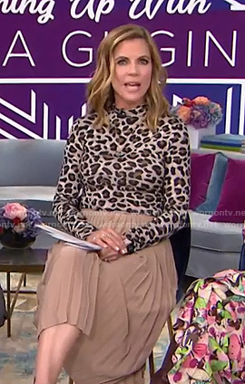 Natalie's leopard print top and beige pleated skirt  on Today
