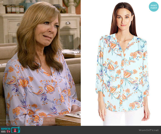 NYDJ Tidal Vines Tranquility Pintuck Blouse worn by Bonnie Plunkett (Allison Janney) on Mom