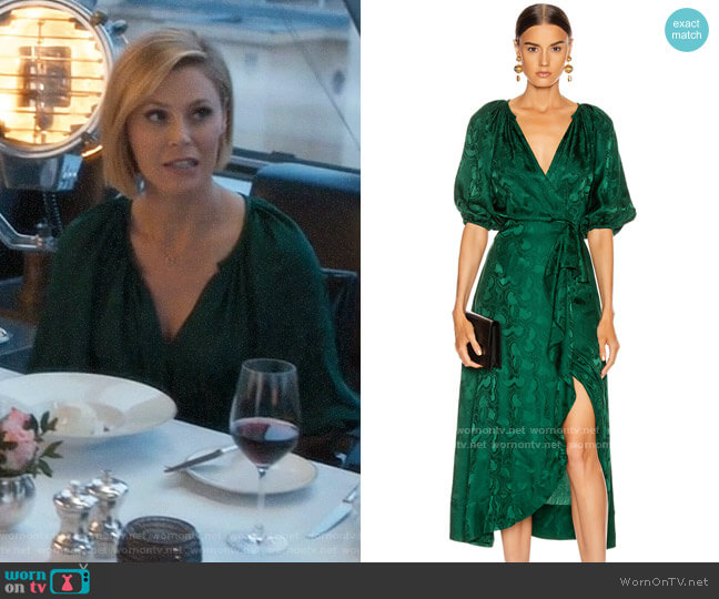 Saloni Olivia Forest Dress worn by Claire Dunphy (Julie Bowen) on Modern Family