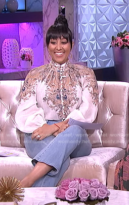Tamera's white paisley print blouse and cropped jeans on The Real