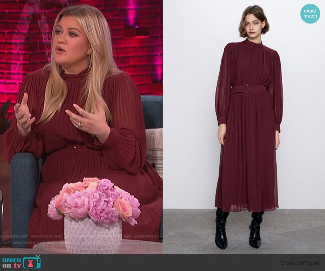 Pleated Midi Dress by Zara worn by Kelly Clarkson  on The Kelly Clarkson Show