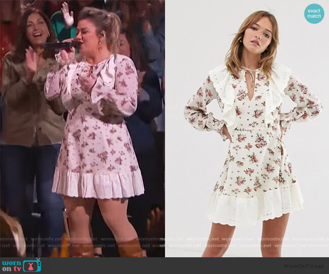 Broderie Ruffle Skater Mini Dress bvy ASOS worn by Kelly Clarkson  on The Kelly Clarkson Show