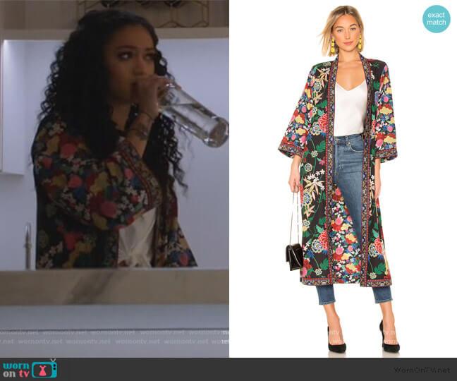 Lynn Kimono by Alice + Olivia worn by Olivia Baker (Samantha Logan) on All American