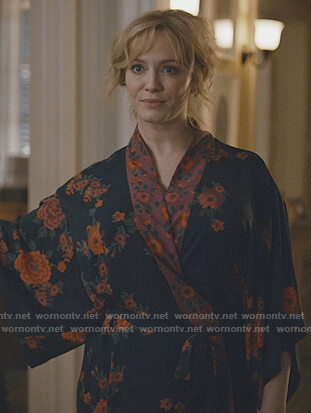 Beth's floral print robe on Good Girls