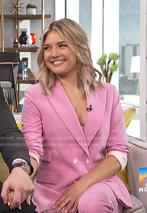 Giannina Gibelli's pink suit on E! News Daily Pop