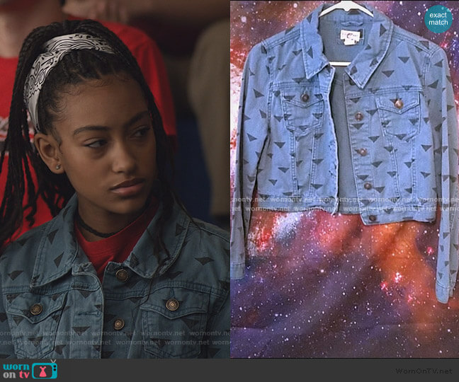 Triangle Print Denim Jacket by Hollister worn by Pearl Warren (Lexi Underwood) on Little Fires Everywhere