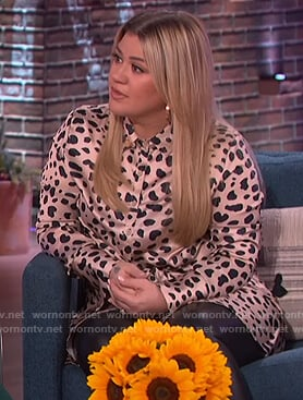 Kelly's cheetah print shirtdress on The Kelly Clarkson Show