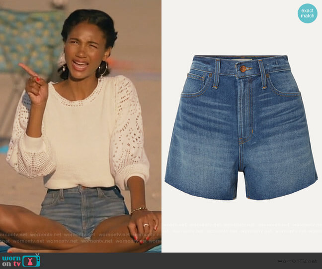 The Perfect Vintage frayed denim shorts by Madewell worn by Layla Keating (Greta Onieogou) on All American