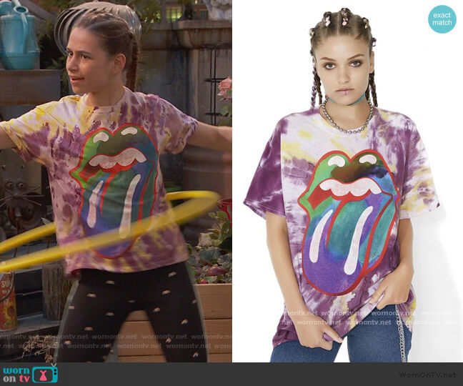 Tongue Tie Dye Tee by Rolling Stones worn by Tess O'Malley (Sky Katz) on Ravens Home