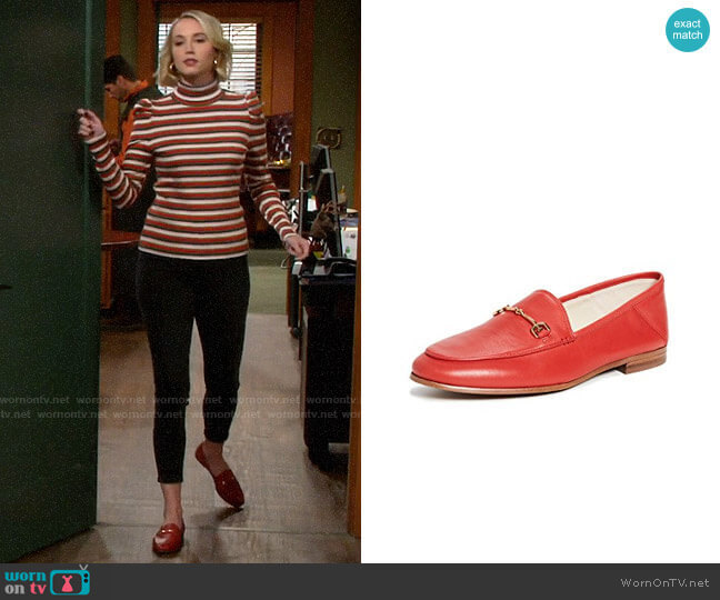 Sam Edelman Loraine Loafers  worn by Mandy Baxter (Molly McCook) on Last Man Standing