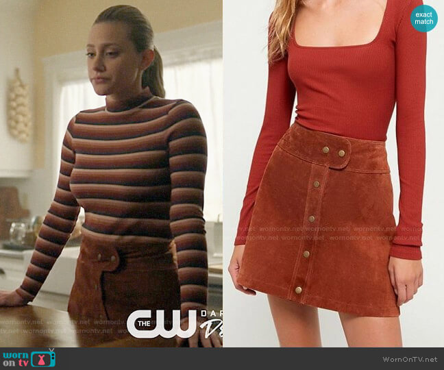 Urban Outfitters Cardiff Suede Mini Skirt worn by Betty Cooper (Lili Reinhart) on Riverdale