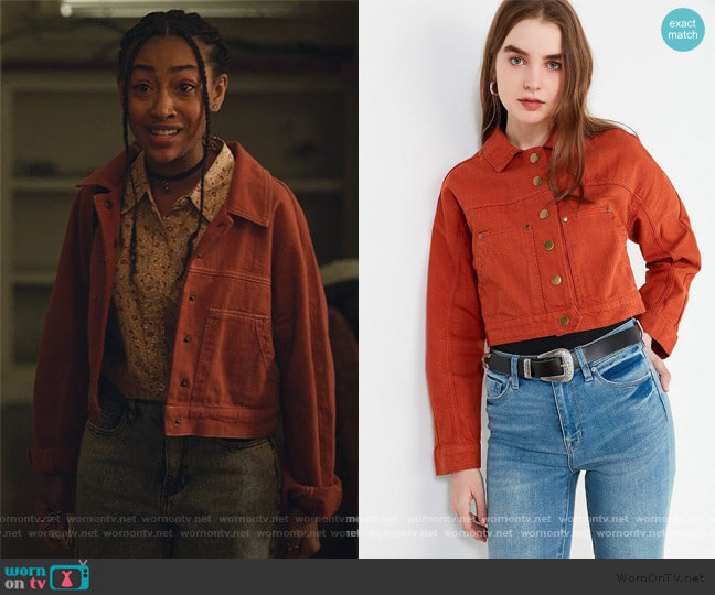 Gigi Cropped Gas Jacket by Urban Outfitters worn by Pearl Warren (Lexi Underwood) on Little Fires Everywhere