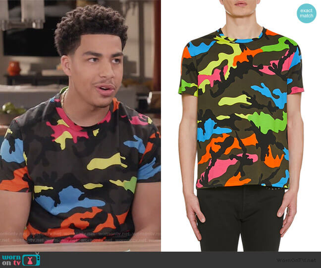 Camo-Print Crewneck T-Shirt by Valentio worn by Andre Johnson Jr (Marcus Scribner) on Blackish