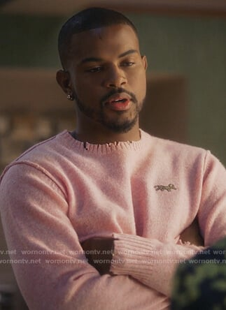 Aaron's pink distressed sweater on Grown-ish