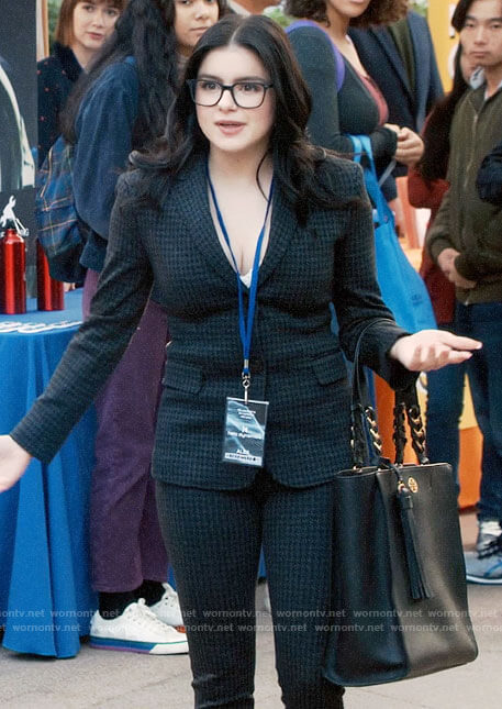 Alex's houndstooth suit on Modern Family