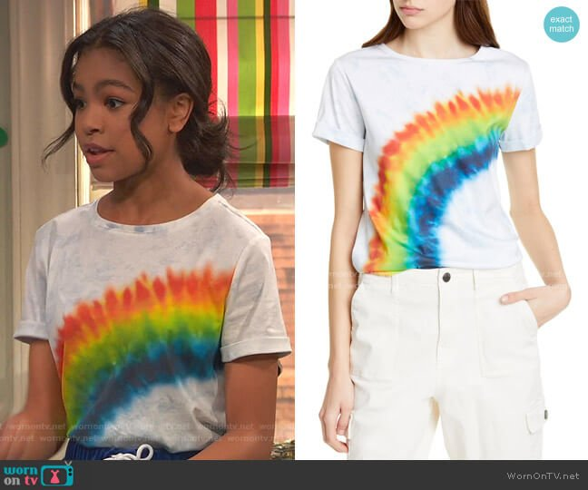 Shira Roll Sleeve Tee by Alice + Olivia worn by Nia Baxter (Navia Robinson) on Ravens Home