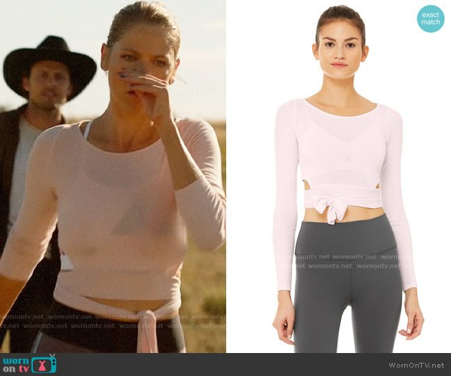 Alo Yoga Barre Long Sleeve Top in Soft Pink  worn by Isobel Evans-Bracken (Lily Cowles) on Roswell New Mexico