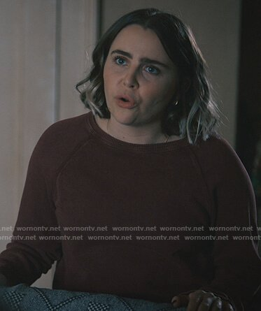 Annie's maroon sweatshirt on Good Girls