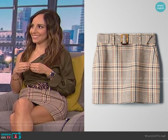 Erickson Skirt by Babaton worn by Lilliana Vazquez  on E! News