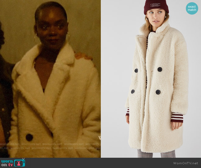 Bershka Long Faux Shearling Double Breasted Coat worn by Josie McCoy (Ashleigh Murray) on Katy Keene