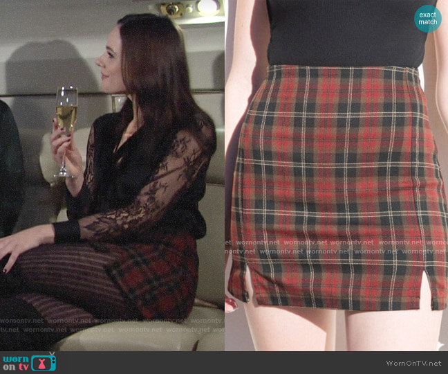 Brandy Melville Cara Plaid Skirt worn by Tessa Porter (Cait Fairbanks) on The Young & the Restless