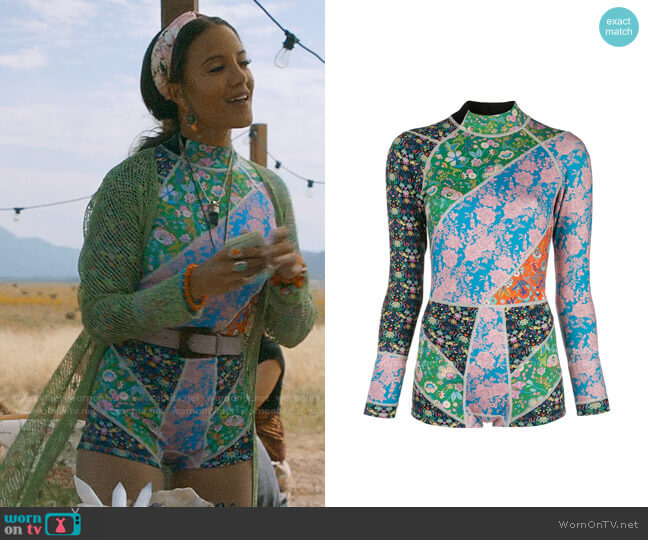 Cynthia Rowley Daybreak Floral wetsuit worn by Maria DeLuca (Heather Hemmens) on Roswell New Mexico