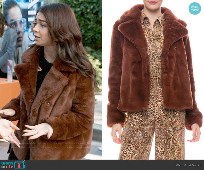Frame Wide Collar Faux Fur Jacket worn by Haley Dunphy (Sarah Hyland) on Modern Family