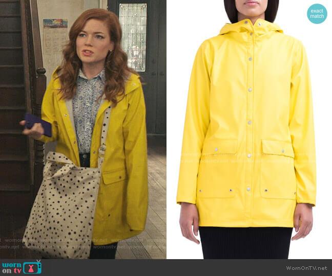 Rainwear Parka by Herschel worn by Zoey Clarke (Jane Levy) on Zoeys Extraordinary Playlist