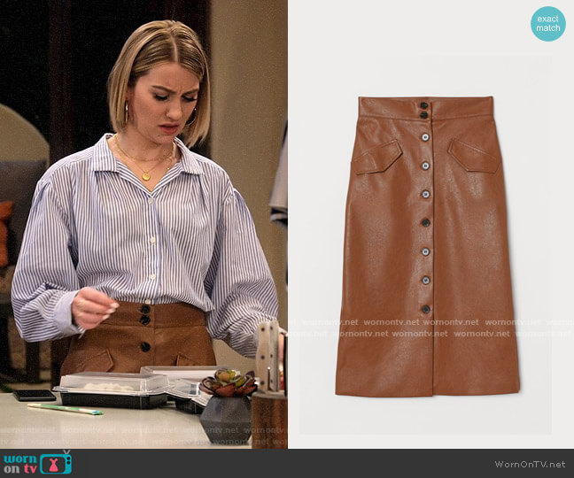 H&M Skirt with Buttons worn by Ava Germaine (Chelsea Kane) on The Expanding Universe of Ashley Garcia
