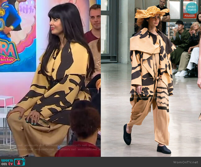 Spring 2020 Collection by Issey Miyake worn by Jameela Jamil on GMA