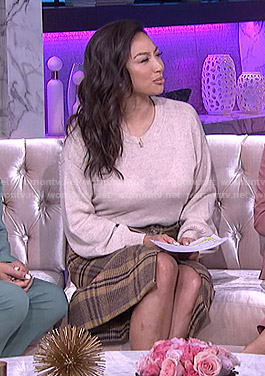 Jeannie's brown plaid pencil skirt on The Real