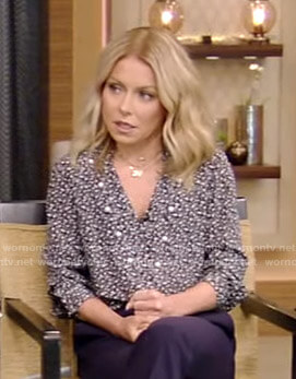 Kelly's print blouse with pearls on Live with Kelly and Ryan