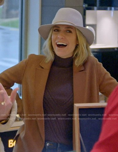 Kristin's brown cable knit sweater on Very Cavallari