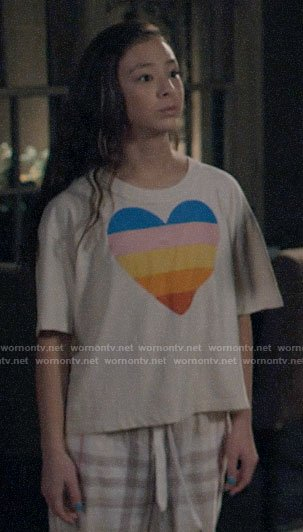 Lily's rainbow heart tee on Modern Family