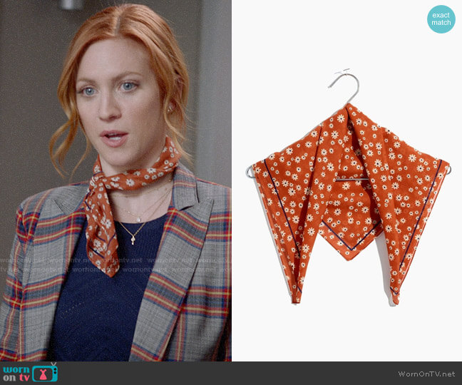 Madewell Bandana in Daisy Print Afterglow Red worn by Julia Bechley (Brittany Snow) on Almost Family
