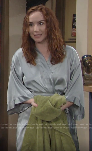 Mariah's green robe on The Young and the Restless