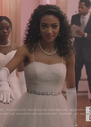 Olivia's white strapless gown on All American