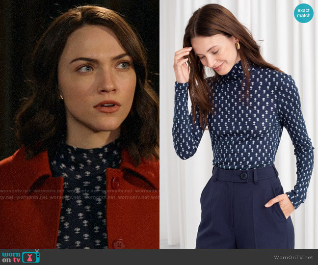 & Other Stories Micro Floral Stretch Turtleneck worn by Cara Bloom (Violett Beane) on God Friended Me