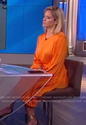 Sara's orange pleated dress on The View