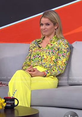 Sara's yellow floral blouse and pants on GMA Strahan Sara And Keke