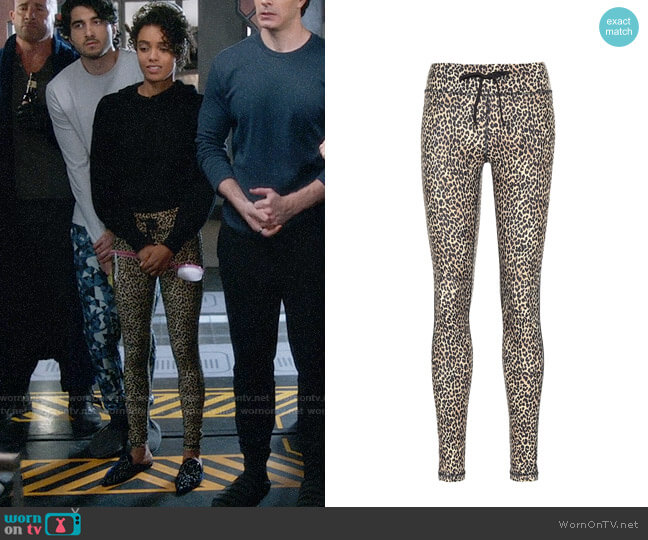 The Upside Leo Yoga leopard-print leggings worn by Charlie (Maisie Richardson-Sellers) on Legends of Tomorrow